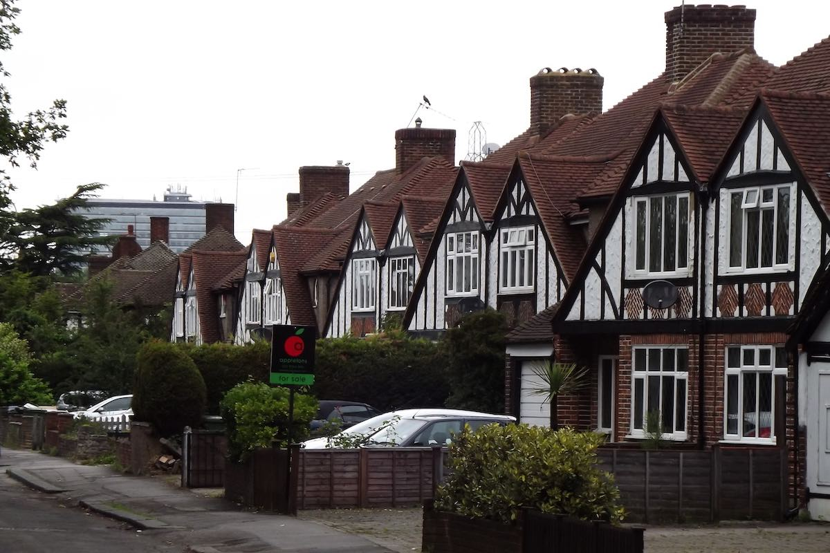 Semi-detached houses in London